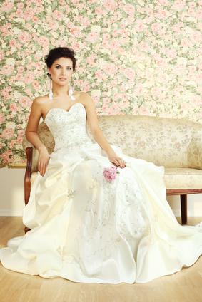 Wedding dress storage tips atlanta classic touch cleaners for Wedding dress cleaning atlanta